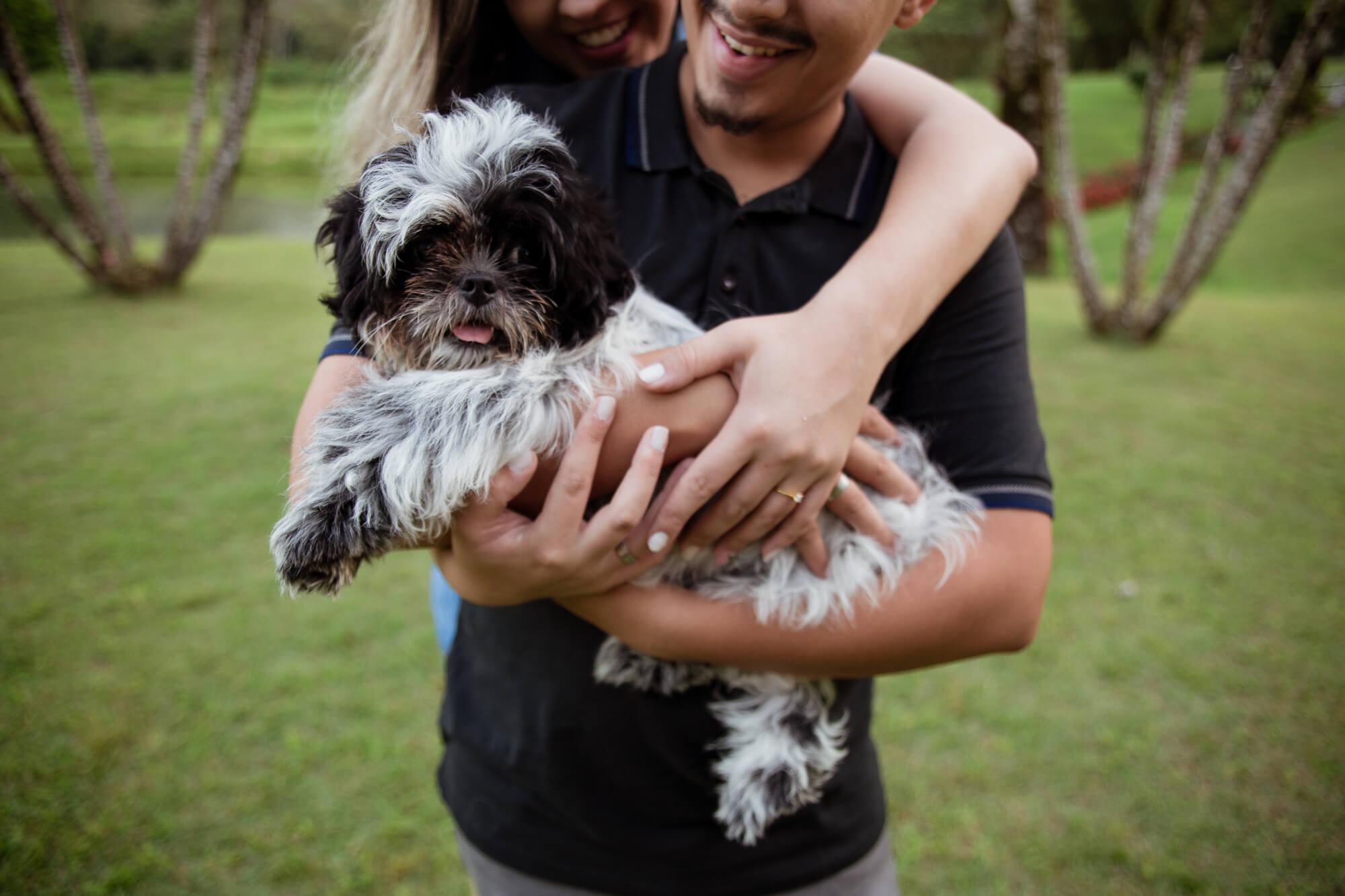 ensaio_casal_com_cachorro