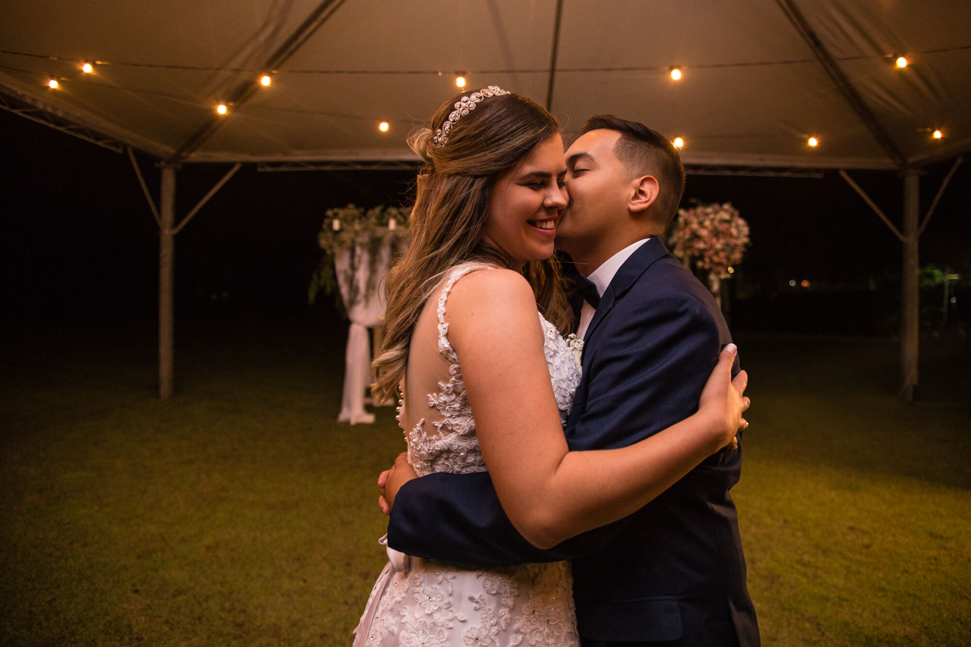 casamento noite varal de luzes