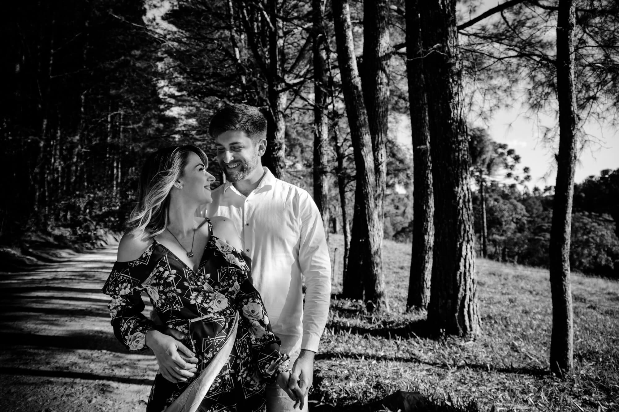 Ensaio casal em Campo Alegre nas árvores