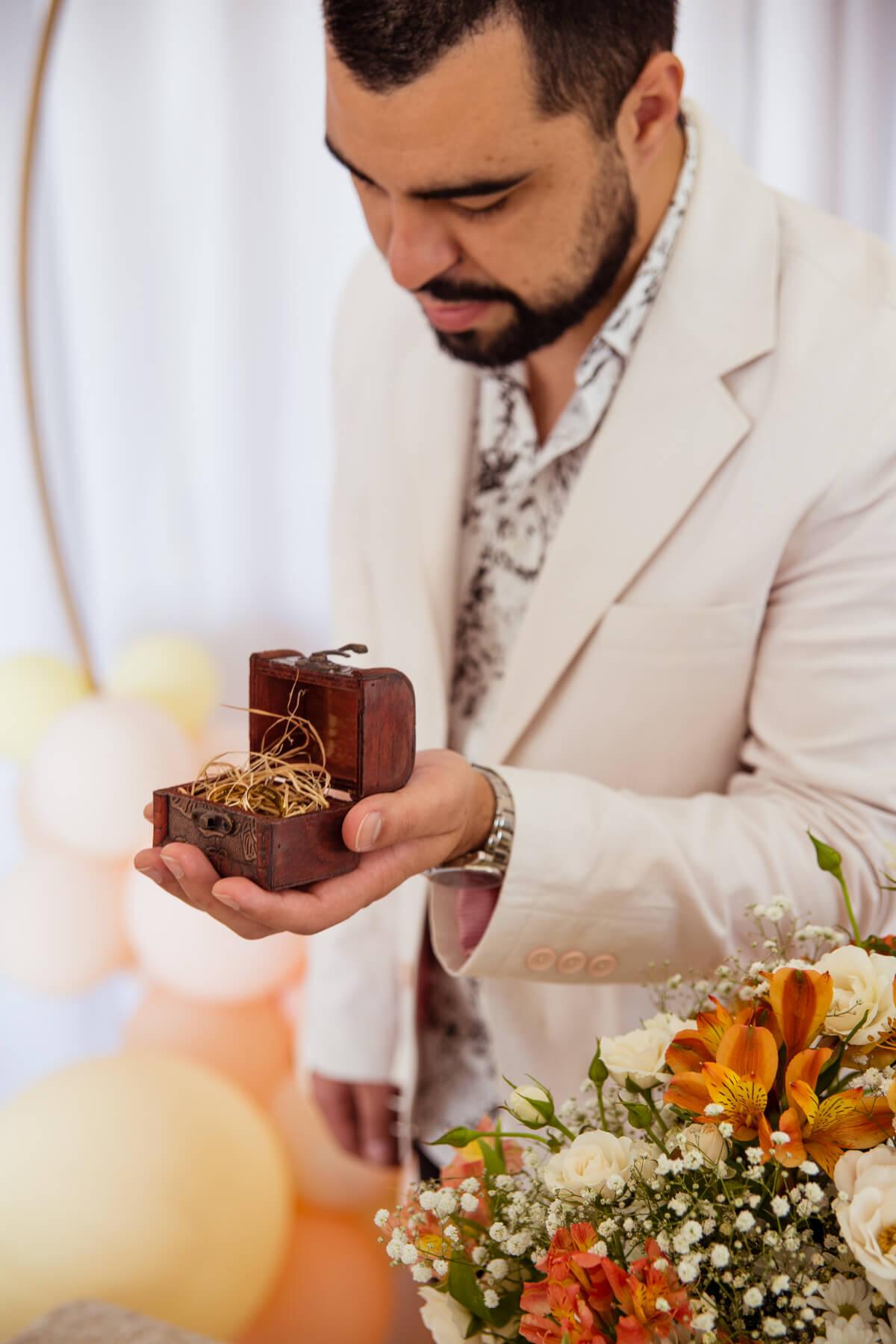 alianca de casamento com caixinha rustica